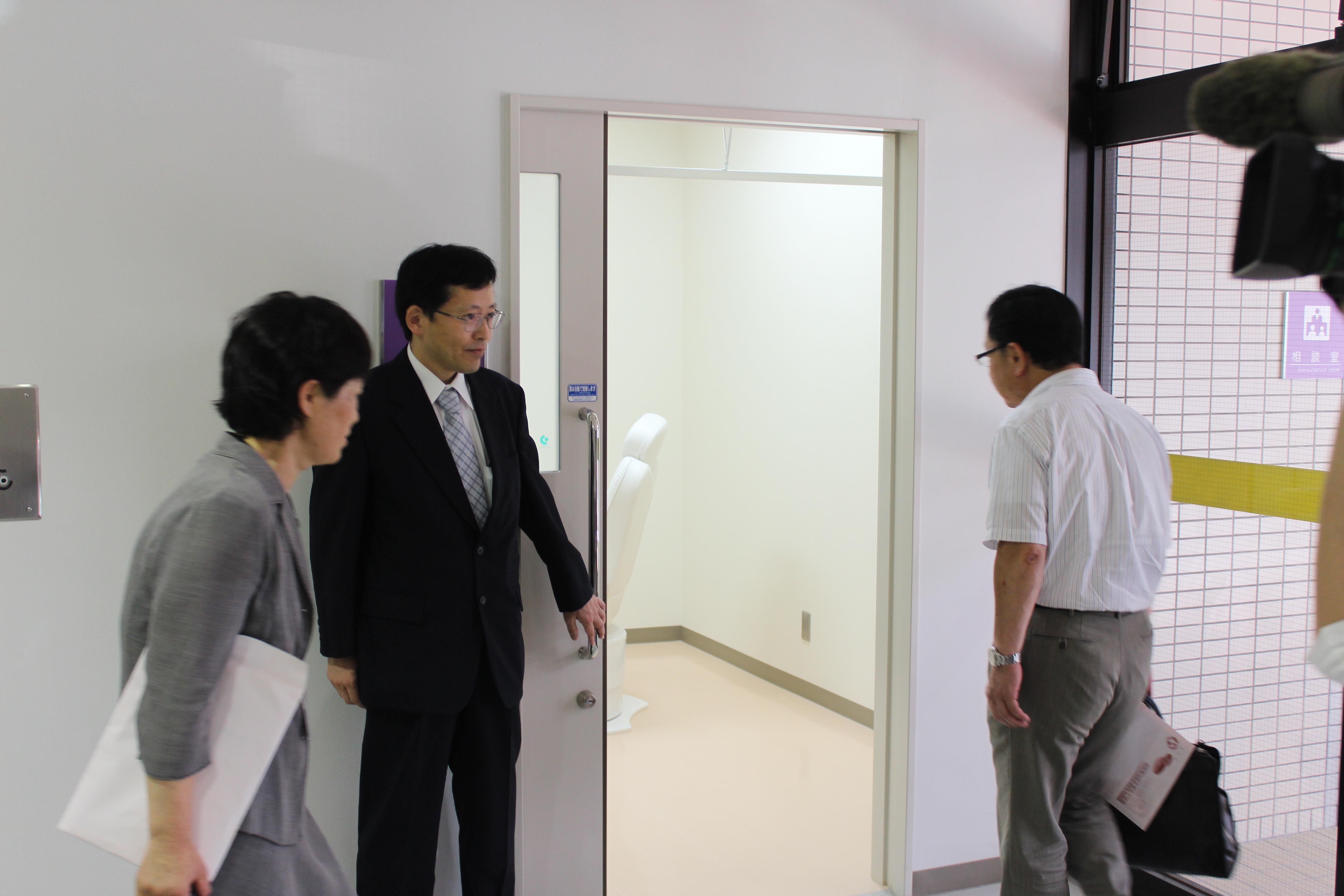 高次感染症センター開所式2(H25.7.1)